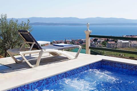 Holiday home Nina-private heated pool-sea view
