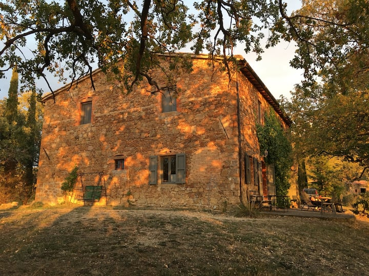 Artistic holiday house in Tuscany