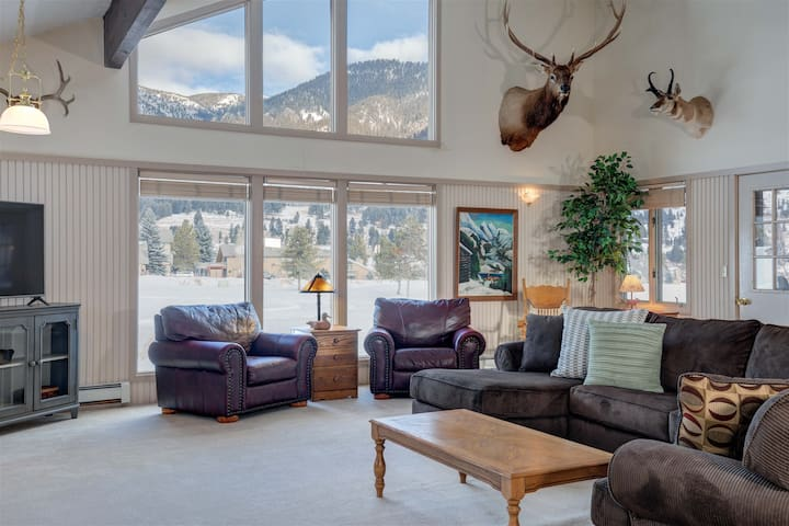 25% OFF Ski Rentals! The Lone Peak Retreat