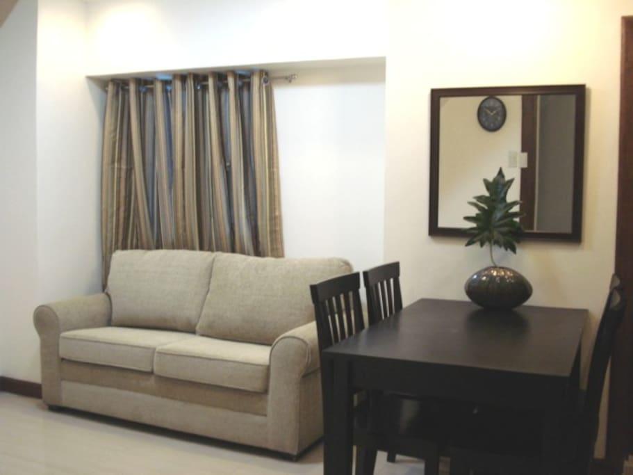 Edsa mrt qc 2bdrm condo loft appartements louer for Chambre d hote quebec city