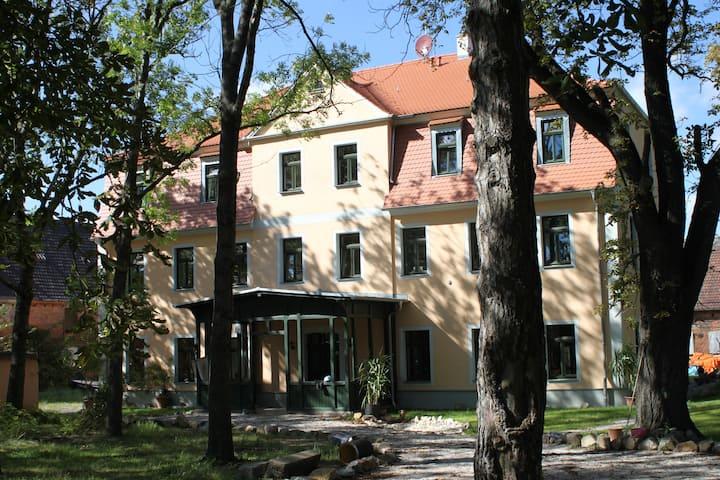 Gutshof Leipzig-Podelwitz Pension