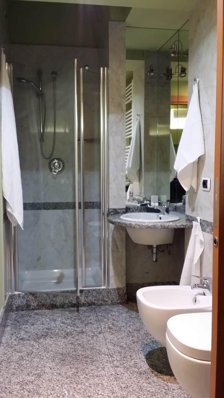 Doppia con bagno privato.