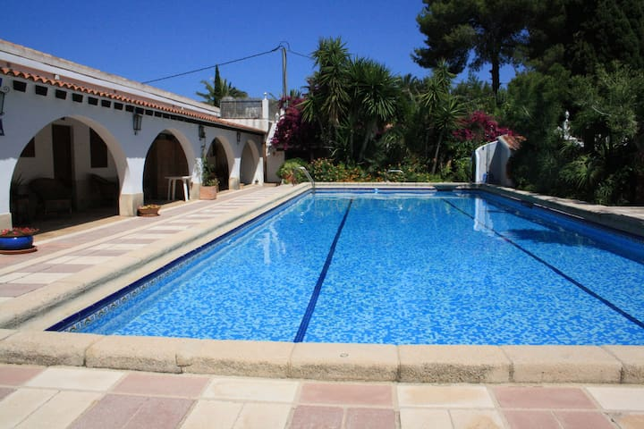 MEDITERRANEAN VILLA WITH POOL  - Dénia - House
