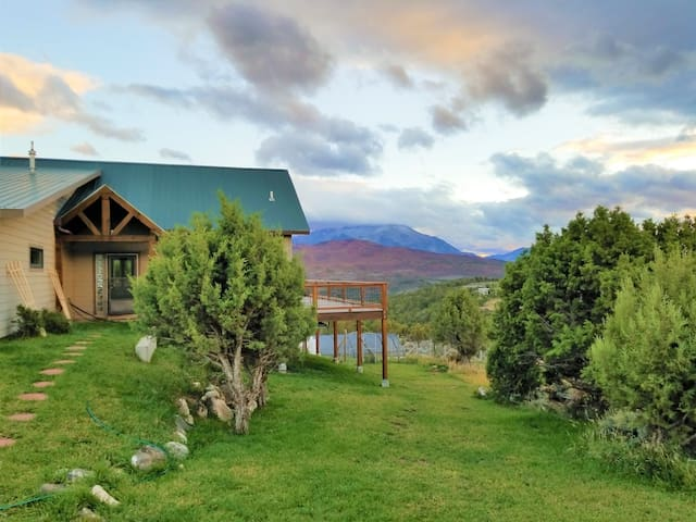 Peaceful mountain farm paradise great for families