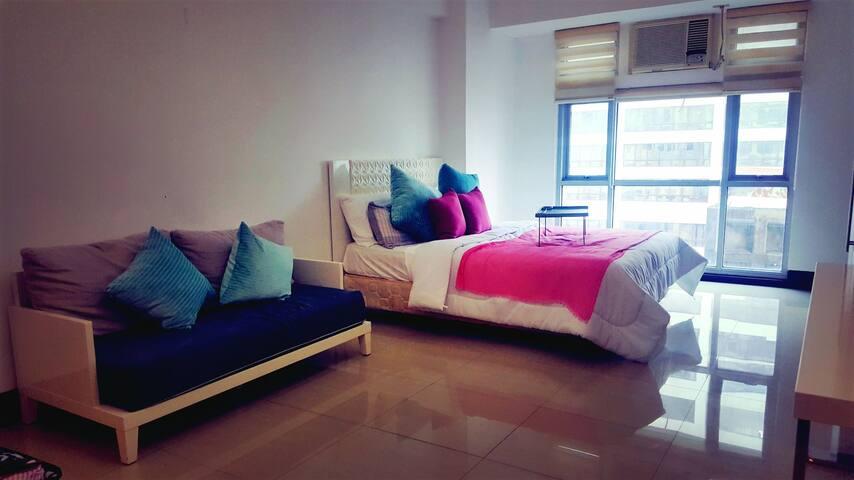Spacious Condo 2 blocks  from Greenbelt Makati