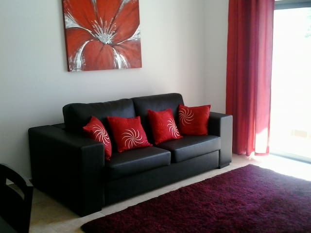 1 Bed apartment ideal for couples well situated