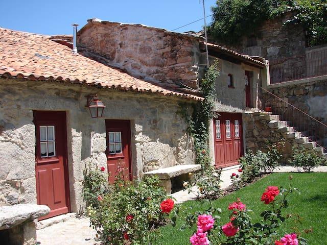 Casa Danaia T3 - PONTE DA BARCA - House