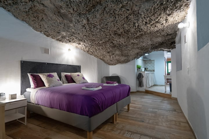 Romantic cave with sea view