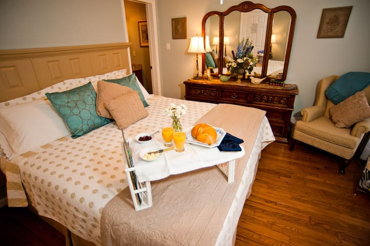 Bluebird Meadows - Moonstone Room - Moonstone - Bed & Breakfast
