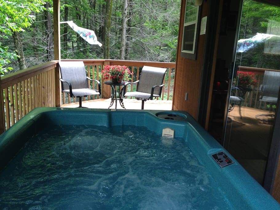 Longer hot tub overlooking the Johnson Branch Creek and the Valley,