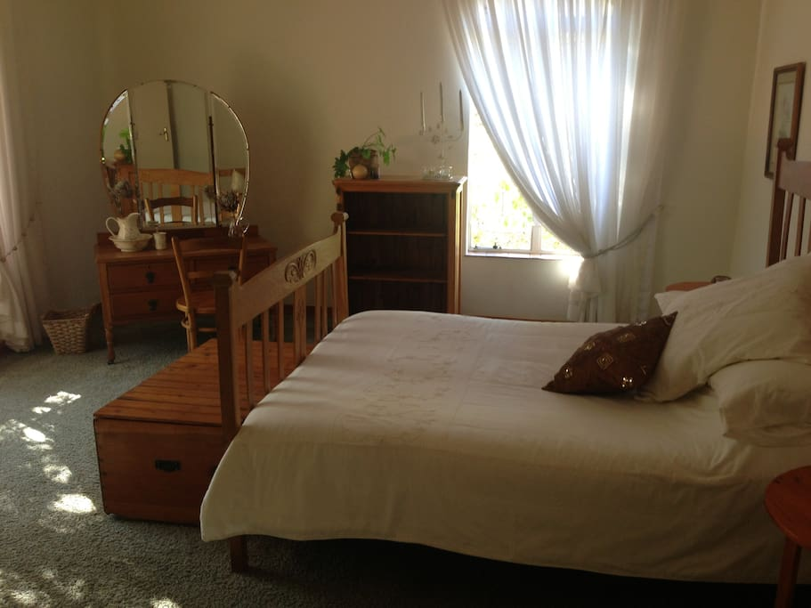 Bucknall lodge khumalo bulawayo bed and breakfasts for for Beds zimbabwe