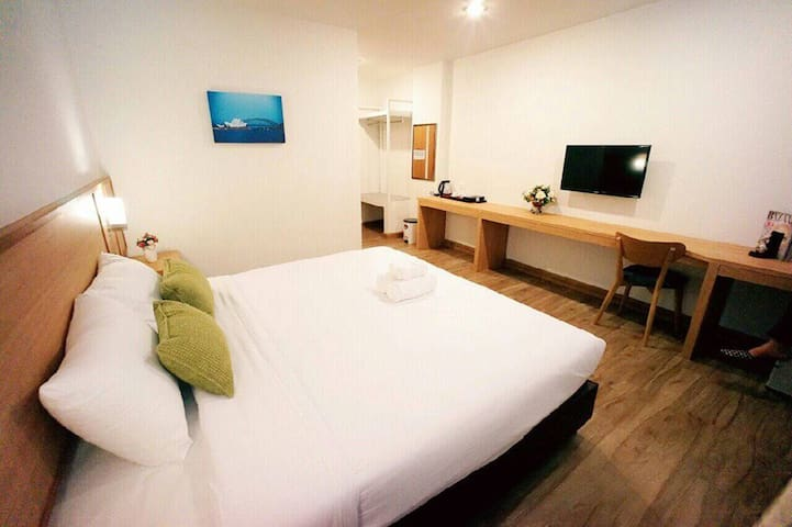 Modern double beds with breakfast - Nong Pa Khrang - Apartment