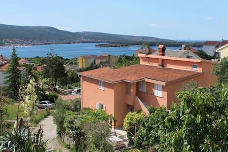 Nice Apartment 5 people, sea view - Kornić - Appartement