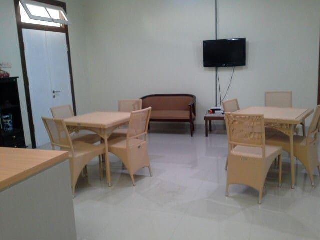 Family Guesthouse Maison de Roes - Surakarta