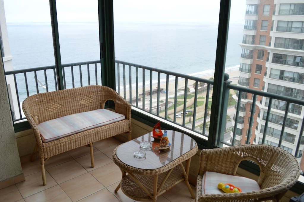 Espectacular vista, primera linea frente mar, piso 17 / Great viw from the living terrace