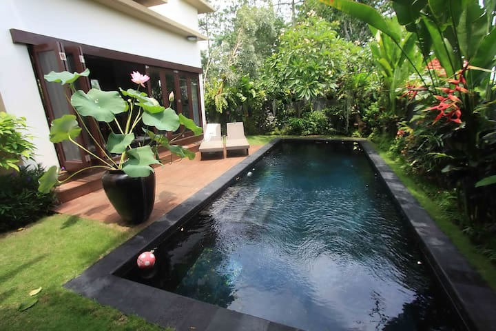 Tranquil Villa @The End of The Road - South Kuta - Villa