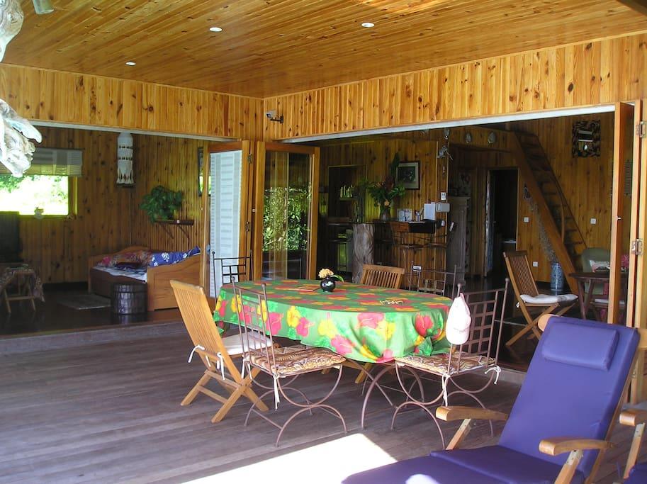 Terrasse-salle à manger