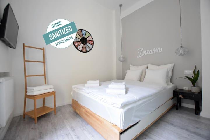 Standard Apartment by Hi5-Modern,BestLocation(077)