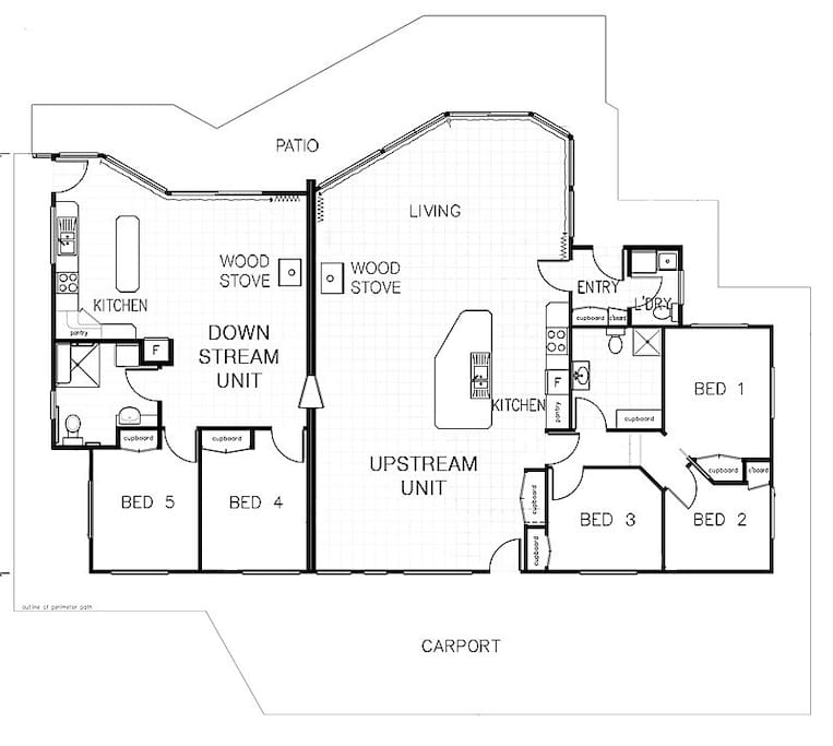 Floor plan of the two apartments, upstream on right, with the communicating door