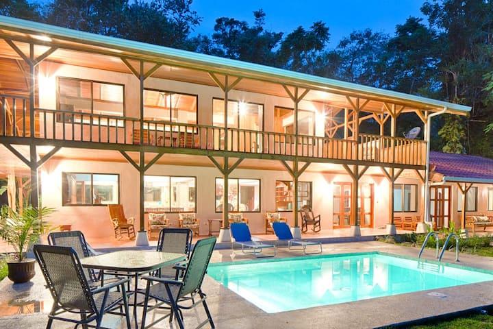 Whale Resort Beachfront Villas