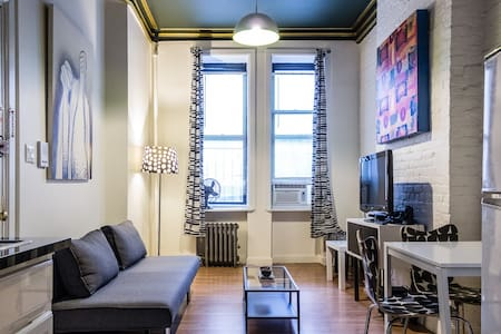 The apartment is located in the heart of Alphabet city in the East Village of New York in a quiet street next to a garden and around the corner from countless downtown bars, clubs, restaurants, boutiques and cafes. A perfect spot to explore the city!