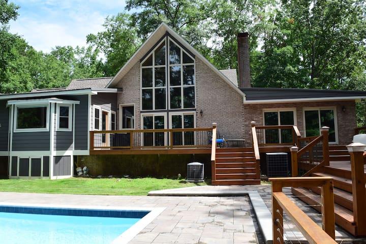 Maggie's Lake House