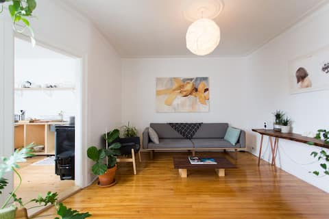 Sunny apartment in Villeray