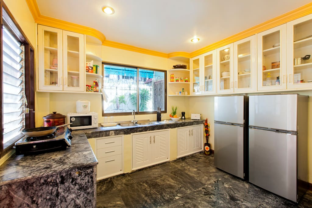Oversized kitchen - fully equipped