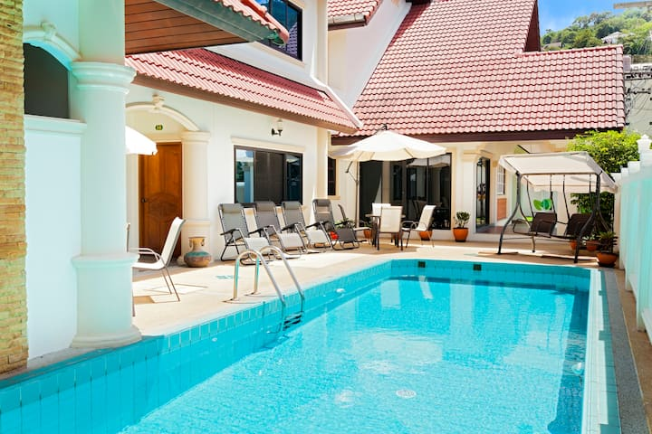 5 BDR Pool Villa - Heart of Patong!