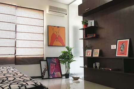 Clean and Cozy apartment in best executive zone
