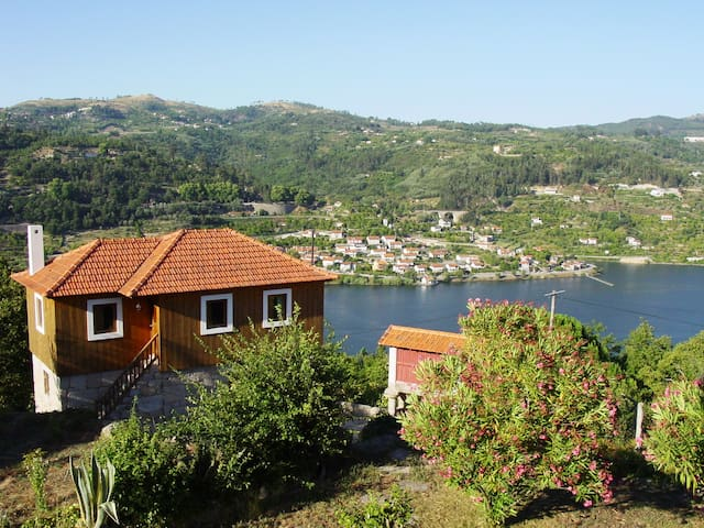 Cottage for 4 overlooking the Douro - Cinfães - Talo