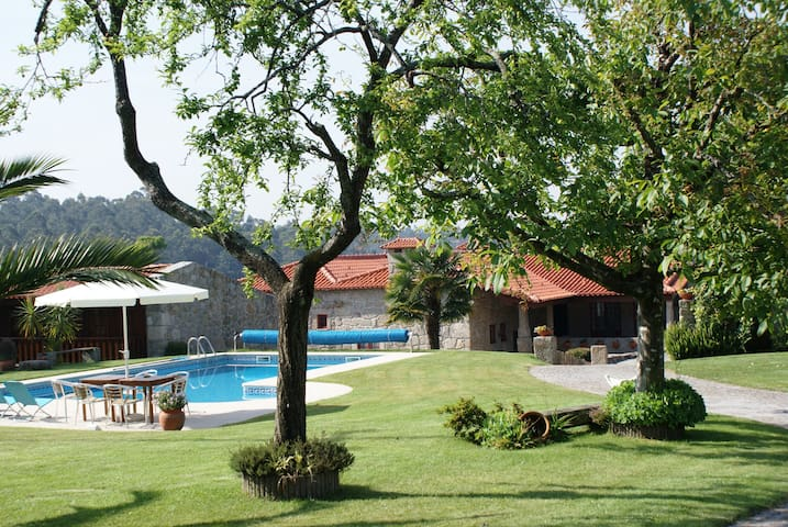 Private villa with pool in Barcelos