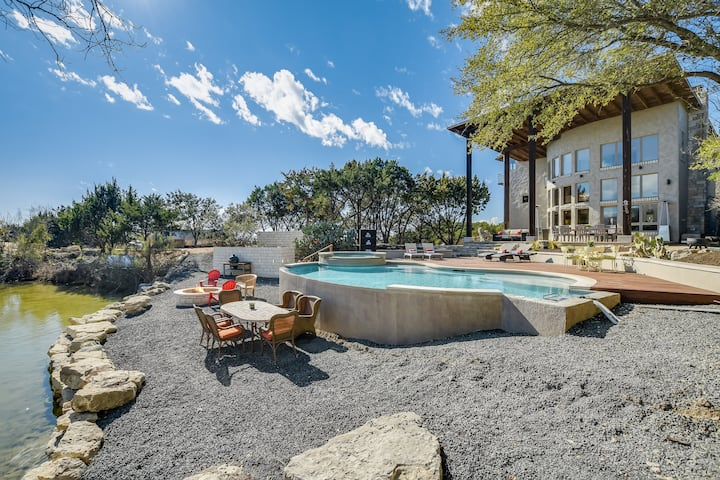 Hill Country Oasis- Spa and Retreat!