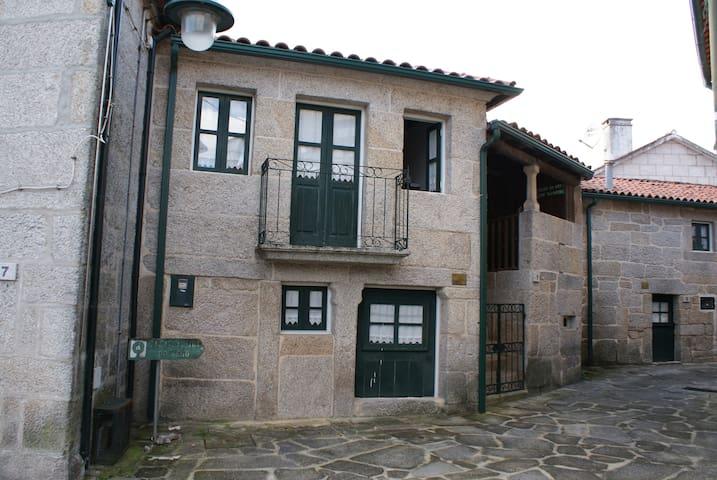 Casa do Eiro - 3 Bedrooms - ARCOS DE VALDEVEZ