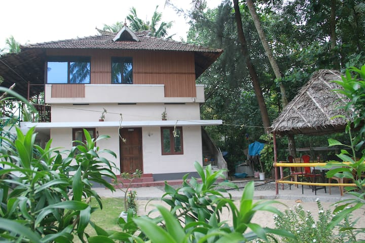 Marari arthunkal beach villa - Alappuzha - Hus