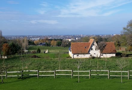 splendide F3 vue sur mer/campagne - Byt