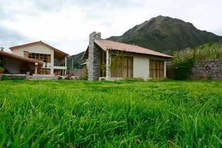 Casa de campo en el cálido Valle Sur de Cusco.