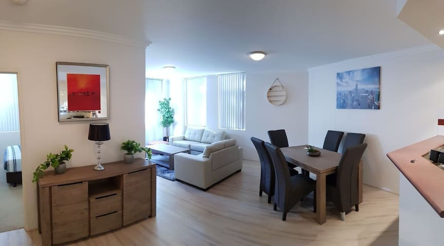 darling harbour apartment with free parking