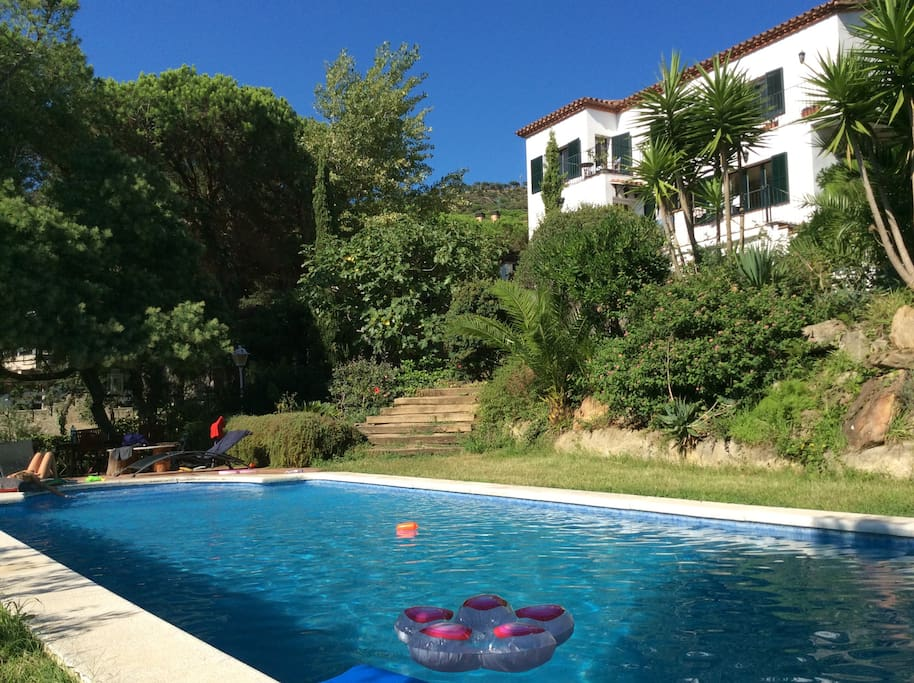 Guests also have use of the swimming pool and sunloungers