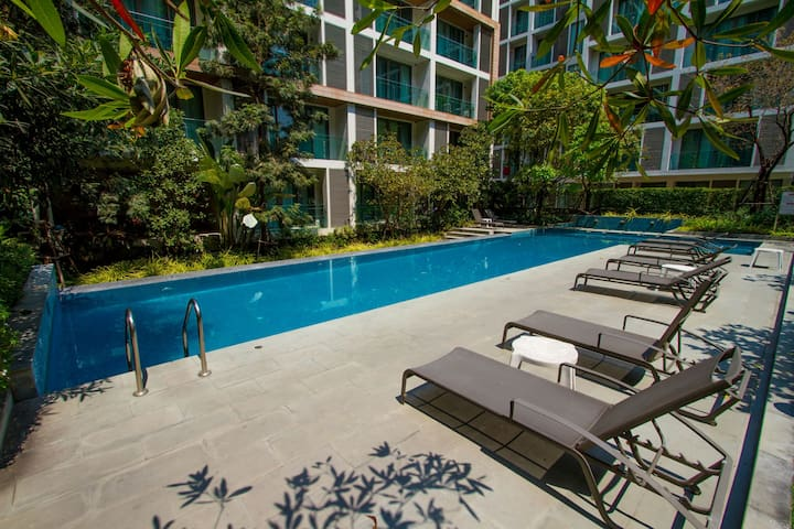 ⭐ Luxury Condo @Nimman, best location, Pool/Sauna