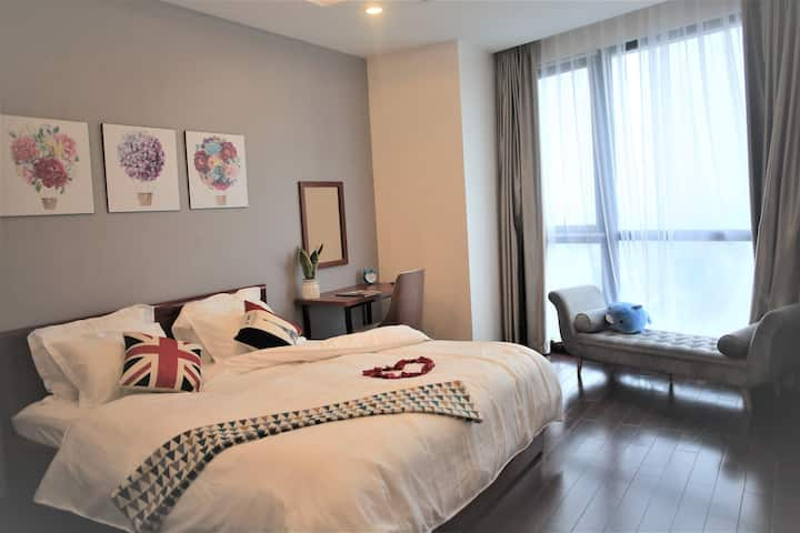 VINCOM 5* ROYAL CITY 107M2 2BR with amazings views