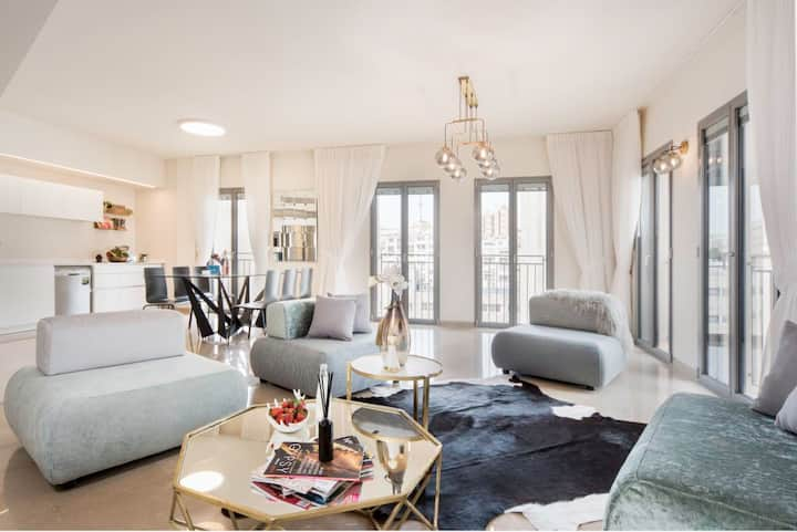 Luxurious 2BR with a View Mamilla *Parking*