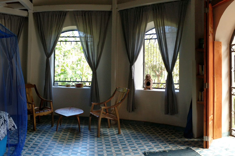 circular guest room