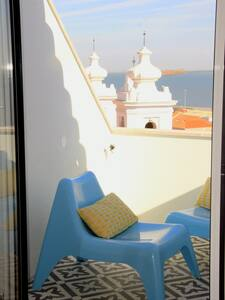 SUNNY DUPLEX TERRACE WITH GORGEOUS RIVER VIEW - Lisboa - 公寓