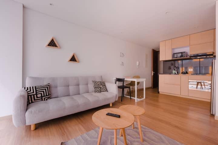 2 Bed Loft style service apart Best location **2