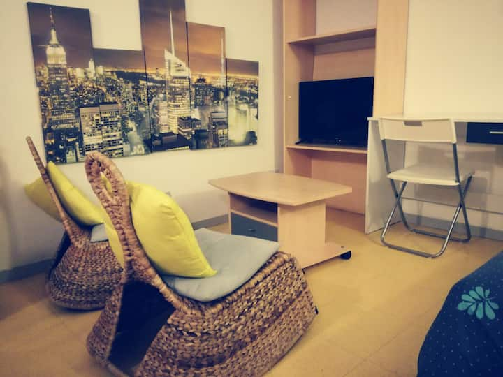 Studio avec parking privé. Au pied du T4