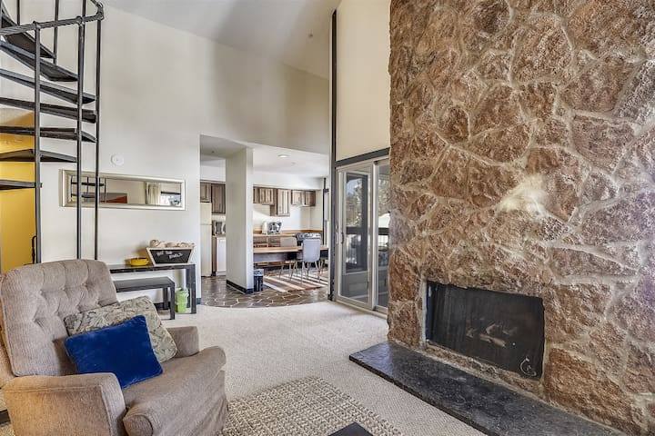 The Perfect Ski - in Ski - Out Family Condo