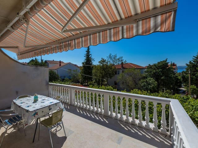 Two Bedroom Apartment, 200m from city center, in Selce (Crikvenica), Balcony