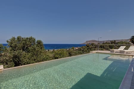 Amazing stone villa with sea view - Киссамоса - Вилла