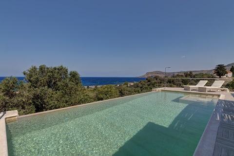 Amazing stone villa with sea view